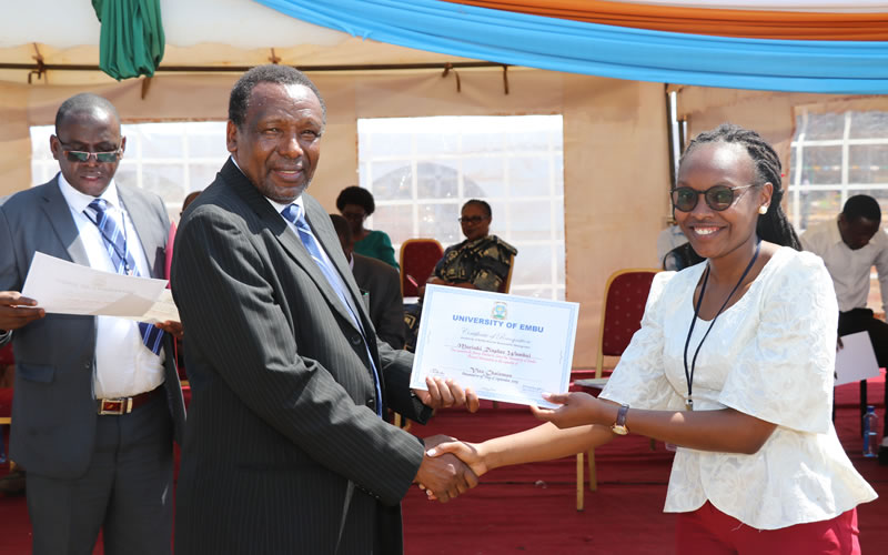 Award of Certificates to the Executive Committee